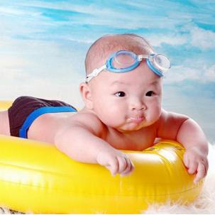 親娃嬰兒(er)游泳館加(jia)盟