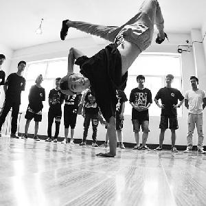 菲比舞蹈培訓加盟