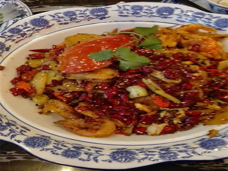 芳沁百味焖锅烤鱼招商加盟