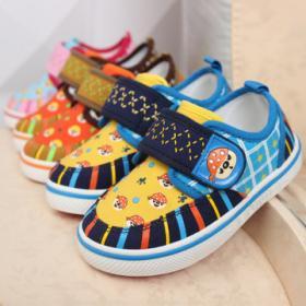 布尼迪新款童鞋招商加盟