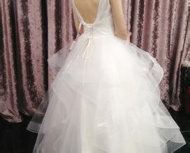 艾妮莎婚纱加盟