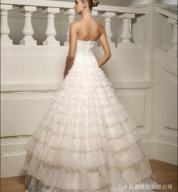 冰晶爵婚纱加盟