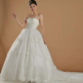 欧亚美婚纱礼服加盟